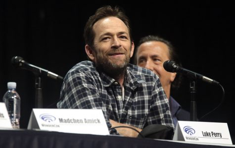 Luke Perry, Actor in Riverdale and Beverly Hills, 90210, Dies at 52